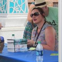 Jennifer L. Armentrout signing