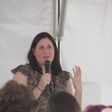 Jennifer E. Smith speaking